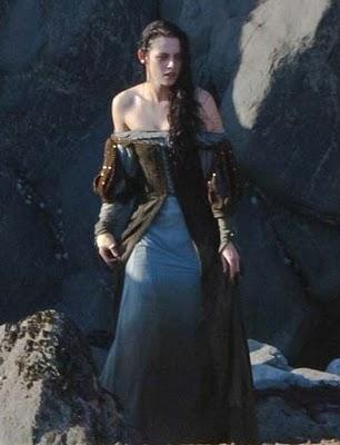 Kristen Stewart muy sexy en el rodaje de 'Snow White and the Huntsman'