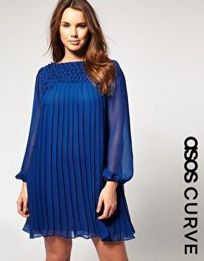 Imagen 1 de Vestido amplio con adornos exclusivo de ASOS Curve