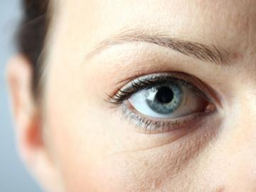 Si se hace la corrección láser de la vista a un ojo