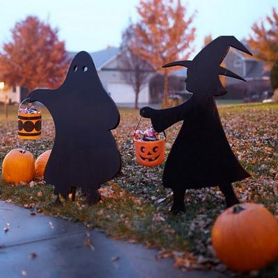 Halloween decorar el jard n con siluetas paperblog for Jardin halloween