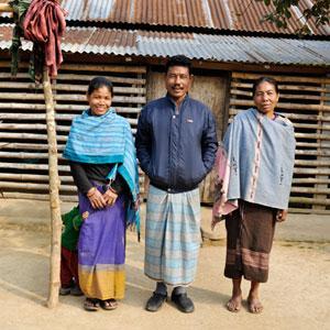Madre e Hija comparten esposo300