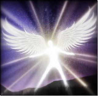 Resultado de imagen para hombre con alas de angel volando