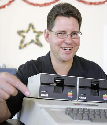 El primer virus informático - Paperblog