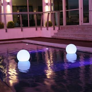 Luces para piscinas paperblog for Luces led piscina