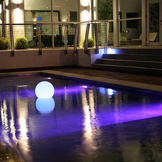 Luces para piscinas paperblog - Luces led piscina ...