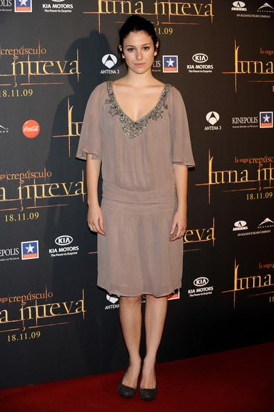 Blanca Suarez - Celebrities Attend 'Twilight: New Moon' Premiere in Madrid