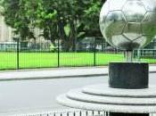 pelota monumento Monolito Centenario, Buenos Aires