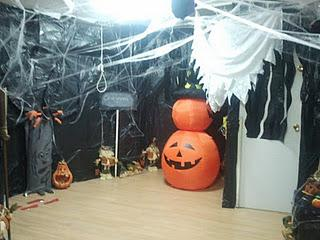 Decoramos el cole de halloween paperblog - Decoracion halloween barata ...