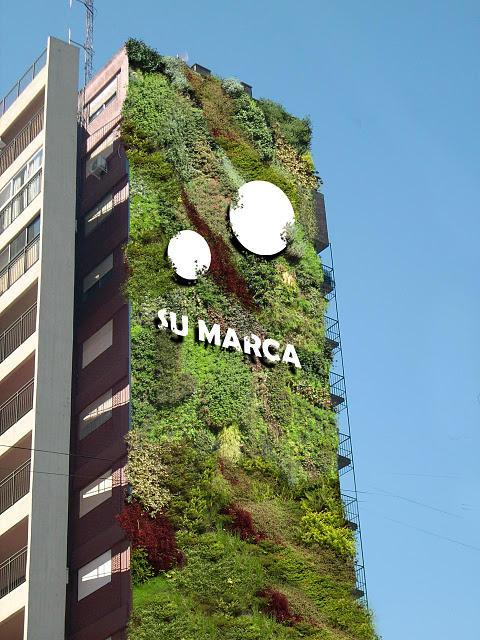 Publicidad en jardines verticales paperblog for Jardines verticales barcelona