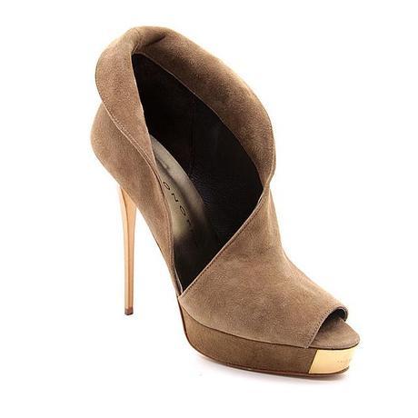 Paris Hilton en Barcelona y con zapatos de Luis Onofre
