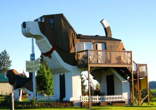 Curioso hotel con forma canina