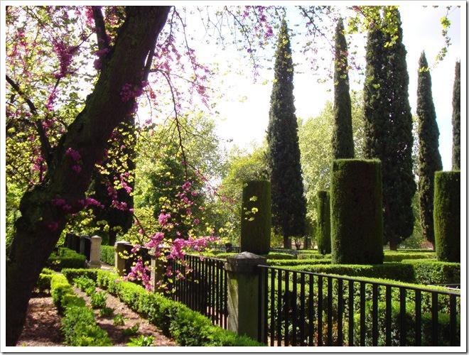 Ruta guiada el jard n de 39 el capricho 39 paperblog for Jardin historico el capricho paseo alameda de osuna 25