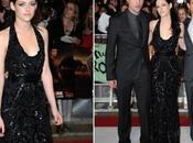 Kristen Stewart estreno Londres Amanecer misterio zapatos playeros actriz