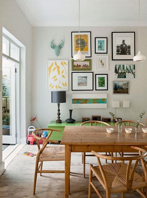 Paredes llenas de cuadros paperblog for Extra small apartment living room ideas