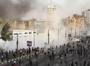 Plaza Tahrir mantiene desafío Ejército egipcio