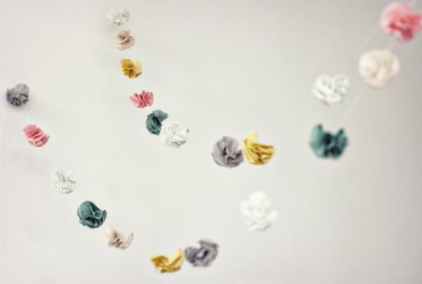 Diy: Guirnalda de flores de tela. Paso a paso