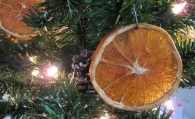 adornar el rbol de navidad de forma ecolgica with adornar un arbol de navidad