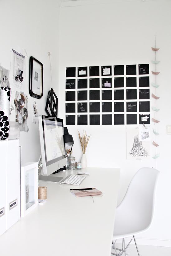 Diy pintar un calendario de pizarra en la pared como el - Pintar pared pizarra ...