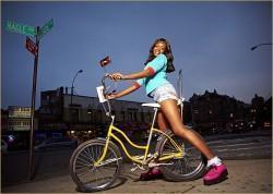 Azealia Banks 212 Broke With Expensive Taste 250x178 Azealia Banks   212 (feat. Lazy Jay) (2011)