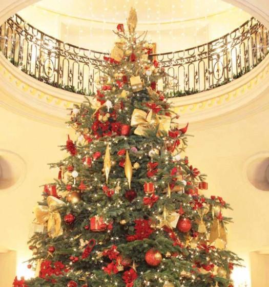 Como en casa con un abeto paperblog for Arbol de navidad con bolas rojas