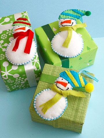 Idea regalos decorados con figuras de fieltro paperblog - Manualidades en fieltro para navidad ...