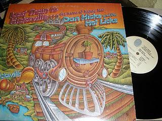 Dan hicks and the Hot licks Last train to Hicksville... the home of happy feet (1973)