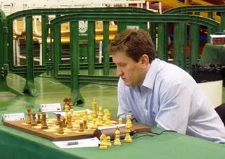 El gran maestro (GM) ruso Oleg Korneev se impuso en la qu...