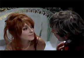 SARAH (Sharon Tate) y ALFRED (Roman Polanski)