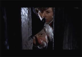 ABRONSIUS (Jack MacGowran) y su ayudante ALFRED (Roman Polanski)