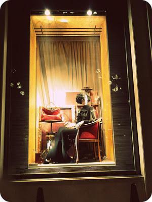 Reportaje gráfico: Escaparates de lujo en la avenue Montaigne (París)