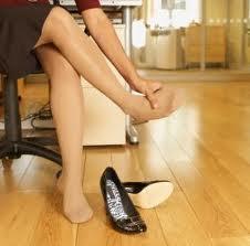 Cómo relajar los pies doloridos