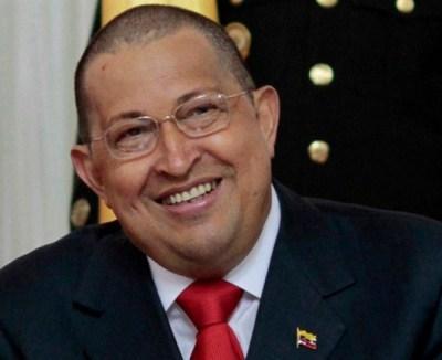 Hugo Chávez Pierde la virginidad ¡Al fin!!