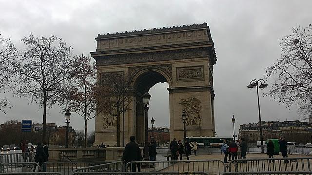 Total Black in Paris
