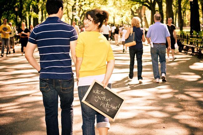 Pizarra para anunciar la boda/Chalkboard sign save the date