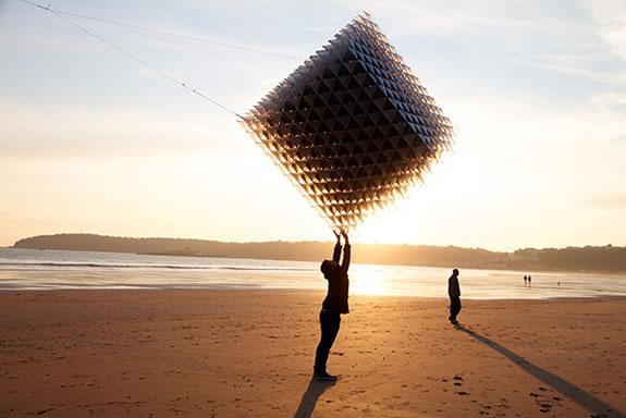 Three Cubes Colliding :: barrilete cósmico