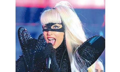 Según Gaga baña con sangre para   ritual satánico