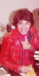 Dos años sin el Gitano, pero vivo en nuestros corazones...Similitudes entre Sandro y Elvis, más 2 versiones inéditas