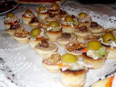 Canapés, volovanes y varios aperitivos
