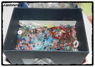 Maríos con hobbies provechosos: hoy, bisutería artesanal