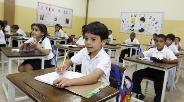 Más de 7 millones de estudiantes se reincorporan a las aulas este 9 de enero