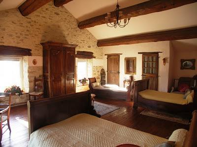 Casa rustica en las black mountain de carcasonne paperblog - Techos para casas de campo ...