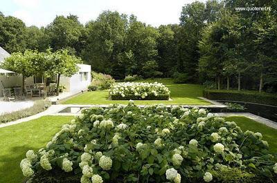Jardines de villa y arquitectura interior paperblog for Canteros de jardin