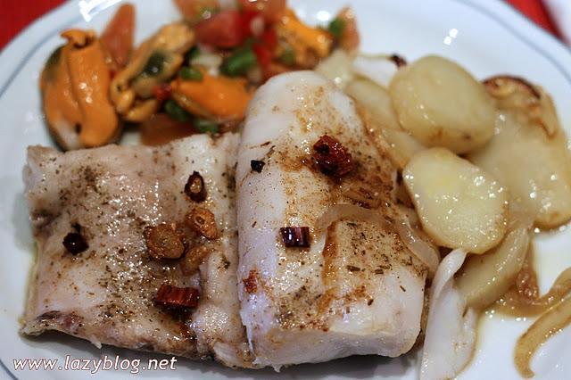 Receta de lomo de merluza al horno paperblog - Merluza rellena de marisco al horno ...