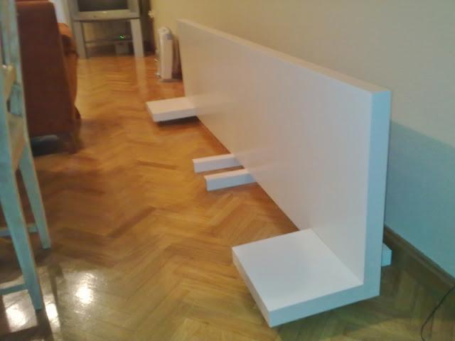 Ikea hack el cabecero de mesas y baldas lack de pedro - Mesilla malm ikea ...