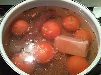 Lentejas con chorizo y tomate