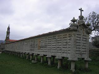 The largest hórreo in the world?: Carnota, Galicia