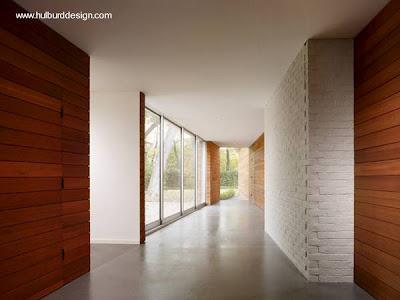 Fachada de madera en casa moderna paperblog for Paredes de madera interior casa