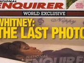 Publican foto Whitney Houston durante funeral