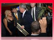Mientras país buscan negarle premio, alcalde Michael Bloomber reconoce Pachá