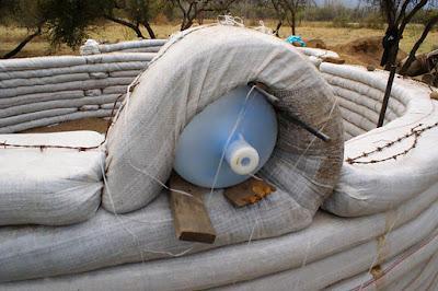 C mo hacer una caba a de superadobe paperblog - Como construir una cabana ...